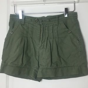 "Shorts with 10"" inseam, pleated front"